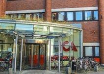 Löfströms Allé 3, Centrum