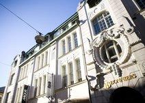 Gamla Brogatan 26, Inom tull (Stockholm)