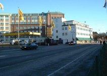 Skaraborgsvägen 30, Centrum