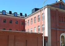 Dag Hammarskjölds väg 13, Centrum