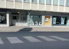 Klostergatan 2, Väster
