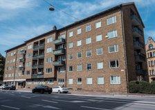 Kronborgsvägen 1A, Centrum