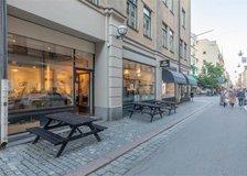 Drottninggatan 92-94, Inom tull (Stockholm)