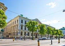 Drottninggatan 9, Centrum