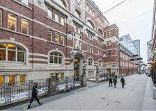 Jakobsbergsgatan 24, Inom tull (Stockholm)