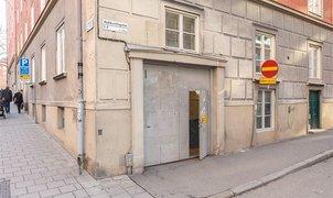 Hudiksvallsgatan 1, Inom tull (Stockholm)