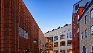 Skaraborgsvägen 3a, Centrum