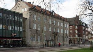 Edsgatan 27, Centrum
