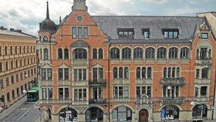 Regementsgatan 8, Centrum