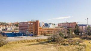 Järfällavägen 100-106, Jakobsberg