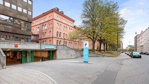 Karlavägen 100, Inom tull (Stockholm)