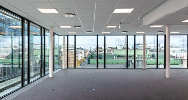 Fönster från golv till tak