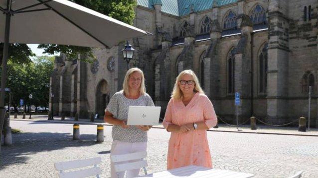 Sara Salegård, Digitaliseringsstrateg och Helena Nyman Friberg, Näringslivsstrateg. Bild: Skara kommun