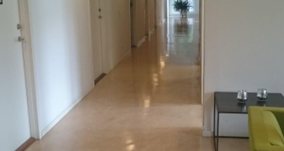 S8 korridor 2 - Kopia.JPG
