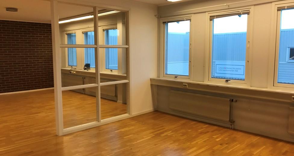 Större avdelat kontor.showroom SO.
