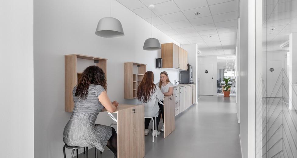 Spaces 4992 Brygghuset Lundbyvassen Sweden Kitchen With Models.jpg