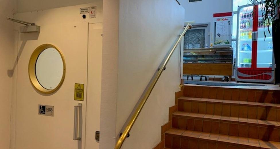 Entre, trappa och hiss.jpg