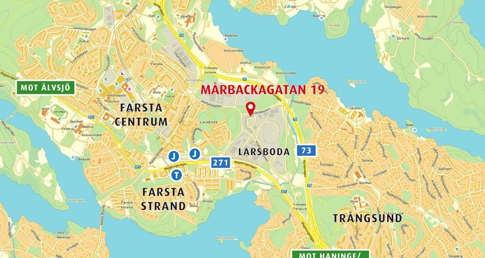 Mårbackagatan 19 i Larsboda har ett mycket gynnsamt kommunikationsmässigt läge