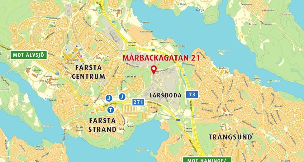 Mårbackagatan 21 i Larsboda har ett mycket gynnsamt kommunikationsmässigt läge