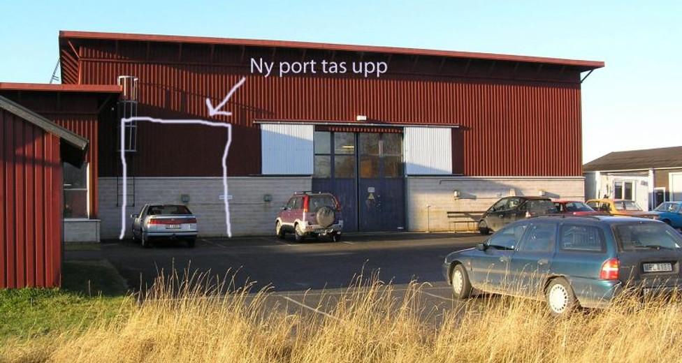 D0811 081 ny port.jpg