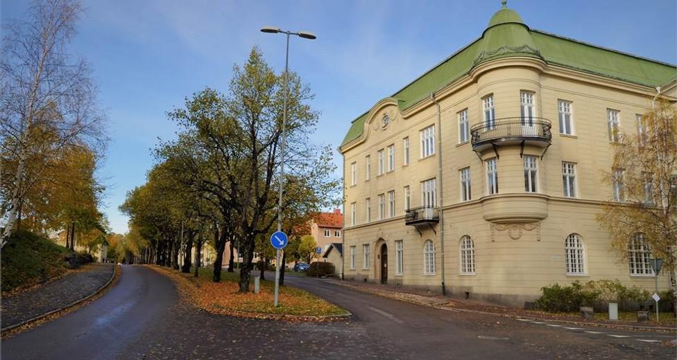 Sparbanksgatan 1