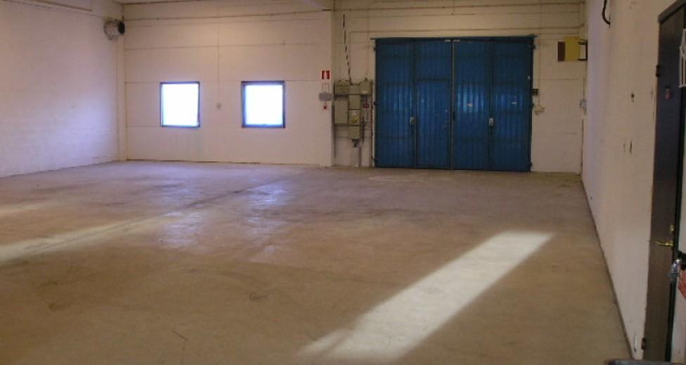 2005-12-13_Lokal M, Stenyxeg. 21 _2_Lager med port.JPG