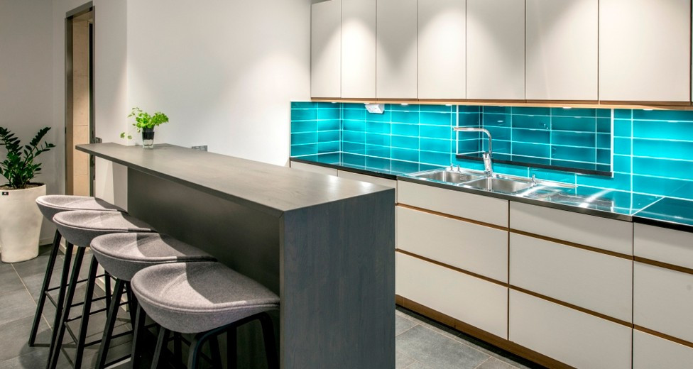 Regus Beskow  Stockholm   Sweden 3684 03-03-2015  Kitchen amenities Coffee point  alt 1.jpg