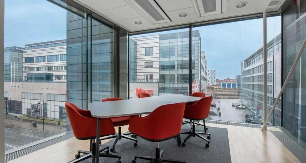 Regus_Solna Business park_1533_Stockholm_Sweden_Coworking-min.jpg