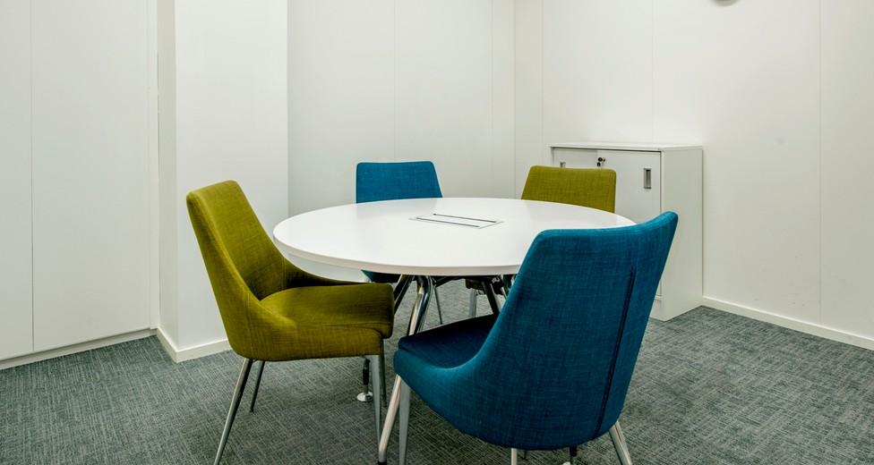 Regus Central Stockholm Sweden 837 Small Meeting Room without people - Master Samuelsgatan 60.jpg