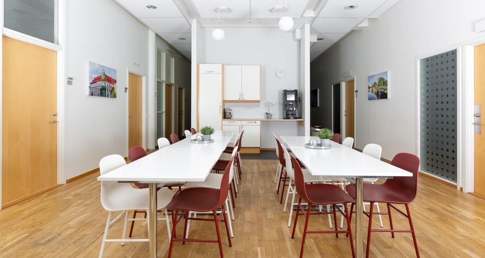 Regus_Ullevi_572_Gothenburg_Sweden_Kitchen.jpg