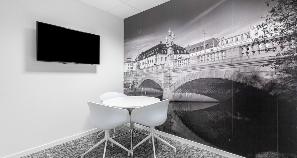 Regus Central Stampen (4373) Gothenburg Sweden Small Meeting Room - Odinsgatan 13.jpg