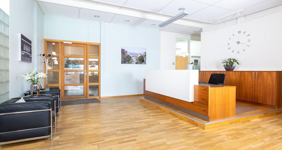 Regus_Ullevi_572_Gothenburg_Sweden_Reception.jpg